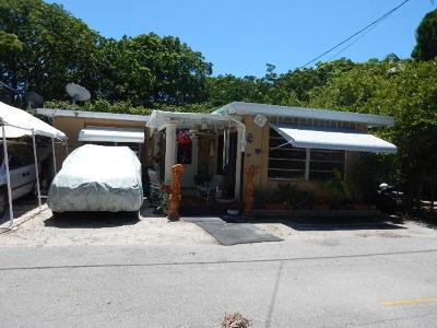 Key Largo Single Family Home Contingent: 84 Henry Morgan Drive