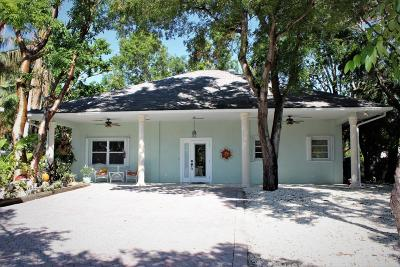 Islamorada Single Family Home For Sale: 109 Palm Lane