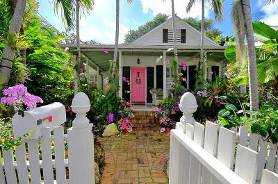 Single Family Home For Sale: 526 Frances Street