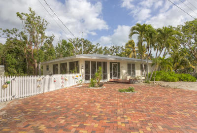Key Largo Single Family Home For Sale: 21 Palm Drive