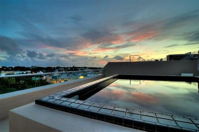Key West FL Condo/Townhouse For Sale: $3,000,000