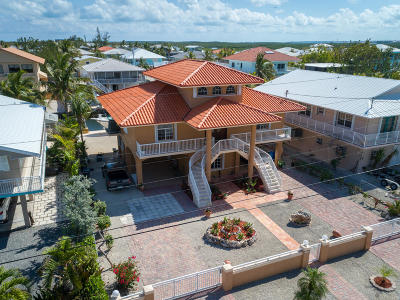 Key Largo Single Family Home For Sale: 133 Ocean Shores Drive