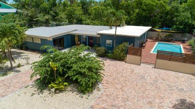 Monroe County Single Family Home For Sale: 230 Key Honey Road