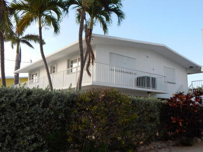 Port Antigua (74.5) Single Family Home Contingent/Show: 84 W Plaza Granada