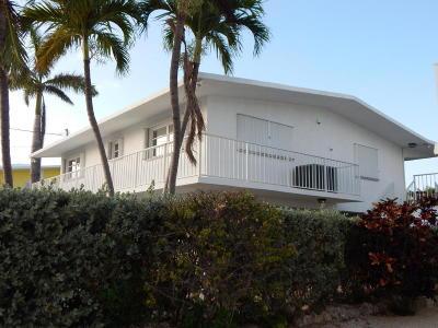 Port Ant Twnhs (74.5), Port Antigua (74.5) Single Family Home Contingent/Show: 84 W Plaza Granada