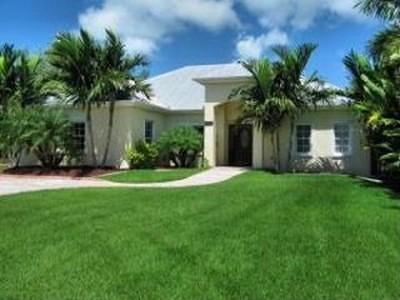 Islamorada Single Family Home For Sale: 138 Venetian Way