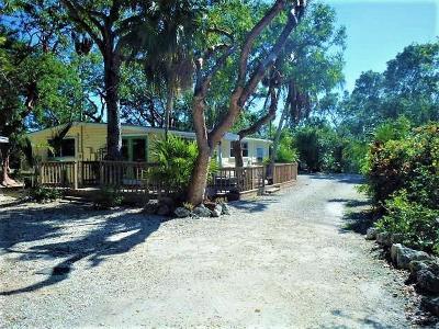 Tavernier Single Family Home For Sale: 125 Tree Lane