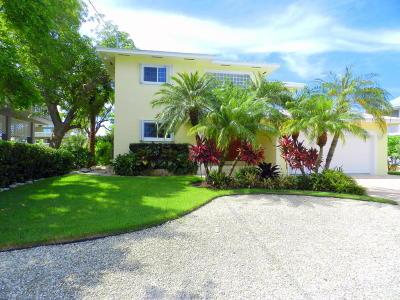 Islamorada Single Family Home Contingent/Show: 111 Bayview Isle Drive