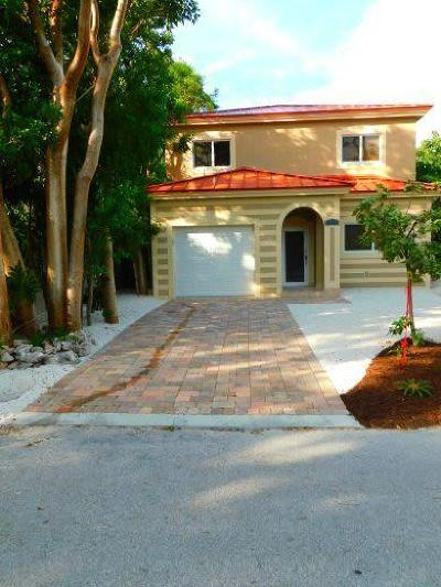 Key Largo Single Family Home For Sale: 71 Blackbeard Drive