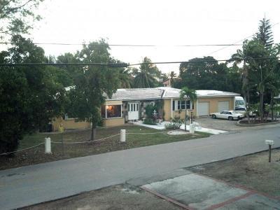Marathon Single Family Home For Sale: 512 Avenida Primiceria
