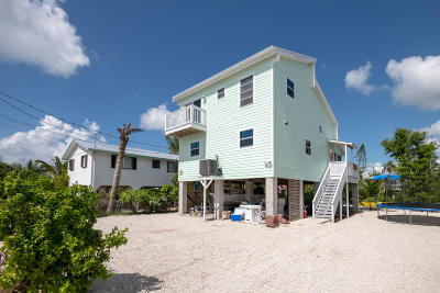 Monroe County Single Family Home For Sale: 44 Pelican Lane