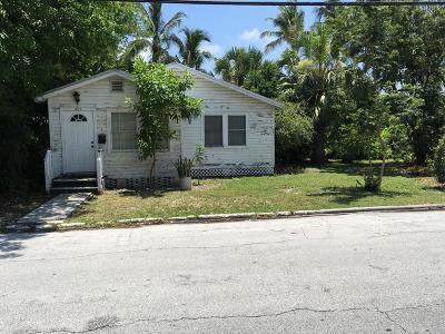 Single Family Home For Sale: 825 Georgia Street