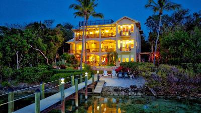 Key Largo Single Family Home For Sale: 102 Coastal Drive