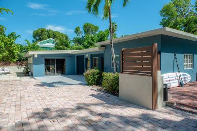 Single Family Home For Sale: 230 Key Honey Lane