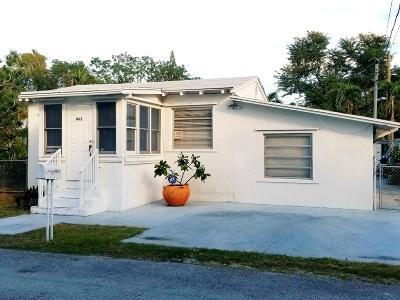 Key Largo Single Family Home For Sale: 462 Sunset Drive