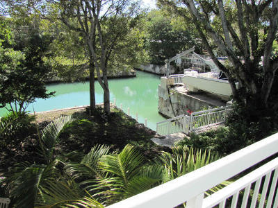 Key Largo Single Family Home For Sale: 135 Cort Lane