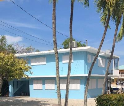 Single Family Home For Sale: 162 N Coconut Palm Boulevard