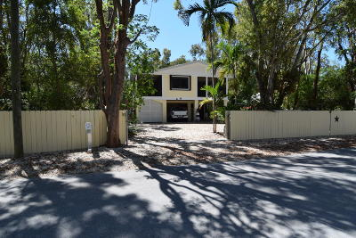 Key Largo Single Family Home For Sale: 355 Buttonwood Shores Drive