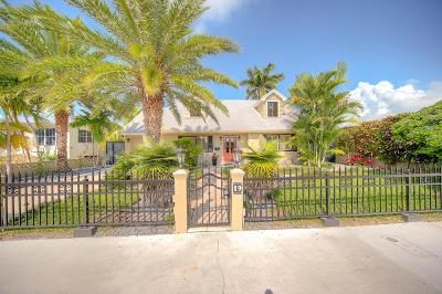 Single Family Home For Sale: 19 Beechwood Drive