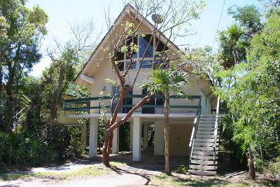 Key Largo Single Family Home For Sale: 202 Mahogany Drive