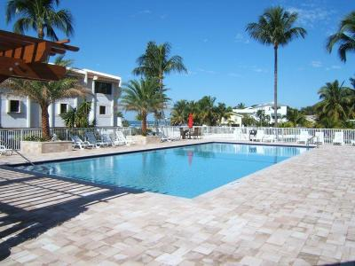 Islamorada Condo/Townhouse Contingent/Show: 88540 Overseas Highway #A105