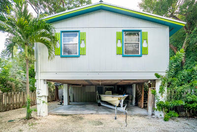 Tavernier Single Family Home For Sale: 210 Key Honey Lane