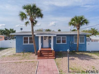 Flagler Beach Single Family Home For Sale: 111 Palmetto Ave N
