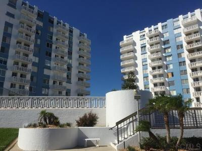 Daytona Beach Condo/Townhouse For Sale: 925 Halifax Drive #709