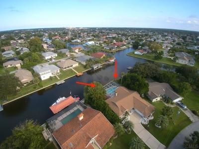 Palm Harbor Single Family Home For Sale: 41 Colonial Ct