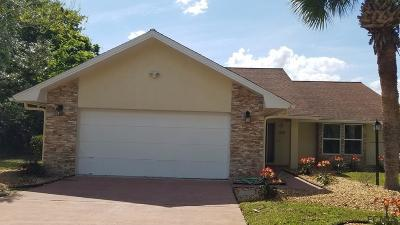 Palm Harbor Single Family Home For Sale: 22 Cheyenne Court
