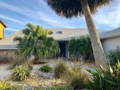 Flagler Beach Single Family Home For Sale: 605 Cumberland Dr