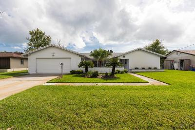 Palm Harbor Single Family Home For Sale: 15 Claridge Ct S