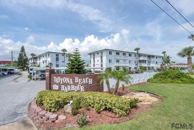 Daytona Beach Condo/Townhouse For Sale: 3015 N Halifax Avenue #7