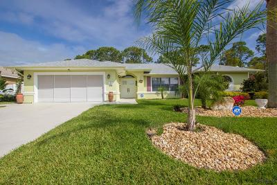 Palm Harbor Single Family Home For Sale: 46 Fenwick Lane