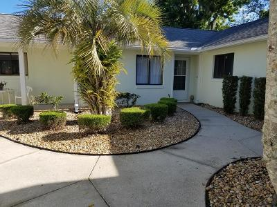 Palm Coast Condo/Townhouse For Sale: 2 Lake Forest Pl #2
