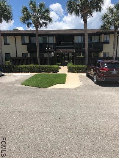 Palm Coast Condo/Townhouse For Sale: 50 Club House Dr #104