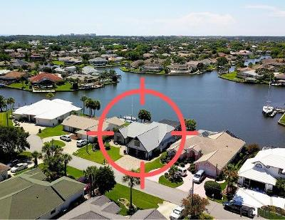 Palm Harbor Single Family Home For Sale: 18 Cedarwood Court