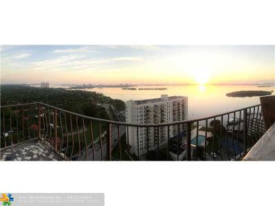 Miami Condo/Townhouse For Sale: 780 NE 69th St #2002