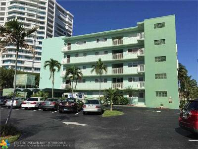 Lauderdale By The Sea Condo/Townhouse For Sale: 1750 S Ocean Blvd #504E