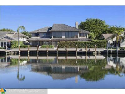 Single Family Home For Sale: 40 Bay Colony Dr
