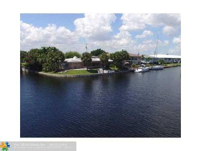 Lighthouse Point Single Family Home For Sale: 2511 NE 36th St