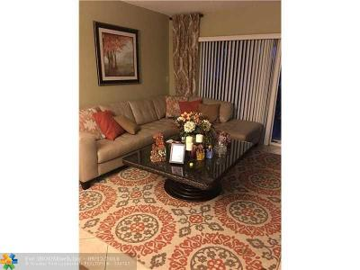 Margate Condo/Townhouse For Sale: 3040 N Holiday Springs Blvd #305