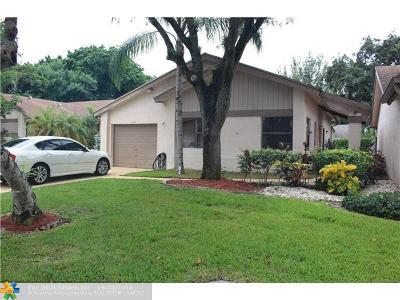 Coconut Creek Single Family Home For Sale: 2204 Seagrape Cir