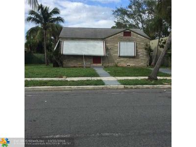 West Palm Beach Single Family Home For Sale: 961 32nd St
