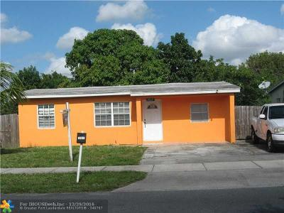 Pompano Beach Single Family Home For Sale: 3037 NW 4th St