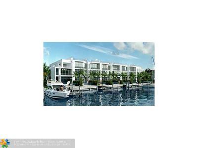 Condo/Townhouse For Sale: 209 Hendricks Isle #209