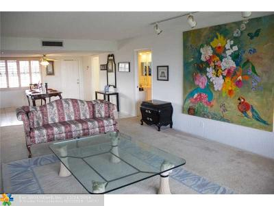 Pompano Beach Condo/Townhouse For Sale: 3900 Oaks Clubhouse Dr #503
