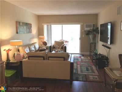Lighthouse Point Condo/Townhouse For Sale: 2131 NE 42nd Ct #105