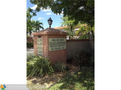 Oakland Park Condo/Townhouse For Sale: 649 W Oakland Park Blvd #202A