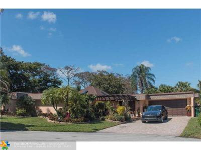 Tamarac Single Family Home For Sale: 5307 Sea Grape Cir